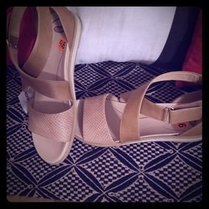 Dr Scholls tan wrap sandals! New 9.5